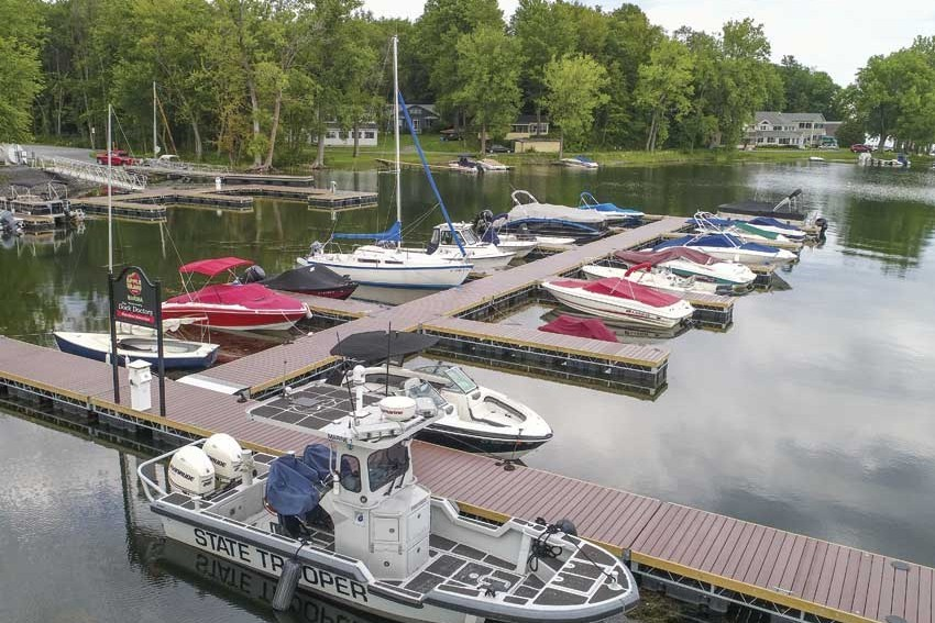 Commercial floating docks at Apple Island Marina