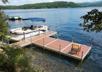 Medium duty aluminum leg docks with NyloDeck decking