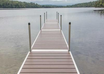 Medium duty aluminum leg docks with NyloDeck® decking