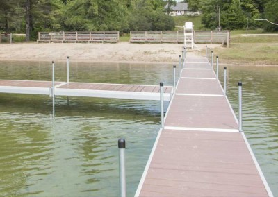Medium duty aluminum leg docks with NyloDeck® decking at a town beach in Washington, NH