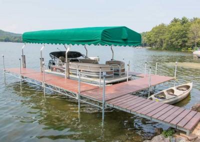 Steel truss leg docks in a