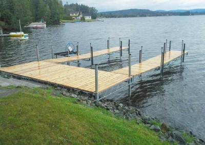 8' x 20' mega duty dock with our heavy duty steel truss sections for dock fingers