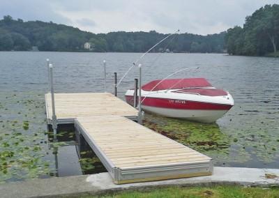Floating docks (aluminum track frame) and mooring whips