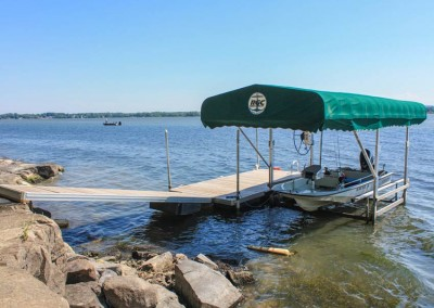 Aluminum frame floating docks and vertical boatlift with sunbrella canopy